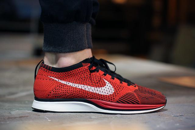 Nike Flyknit Racer Red