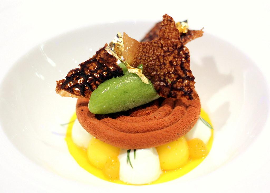 ocean-restaurant-cat-cora-chocolate-ends