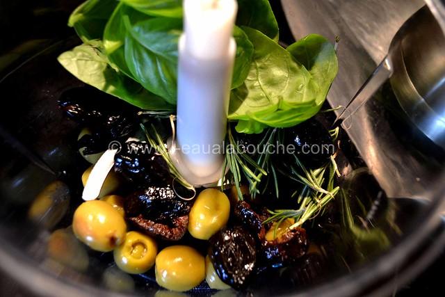 Pesto aux Olives © Ana Luthi Tous droits réservés 003