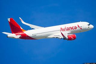 Avianca Brasil Airbus A320-214(WL) cn 6826 F-WHUM // PR-OBB