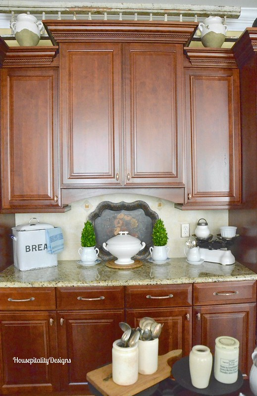 Kitchen/tole tray vignette - Housepitality Designs