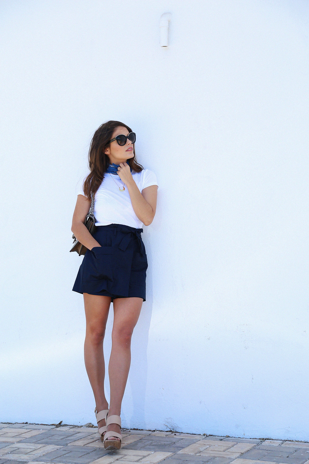 jessie chanes seams for a desire blue skort white tshirt wooden wedges sandals-5