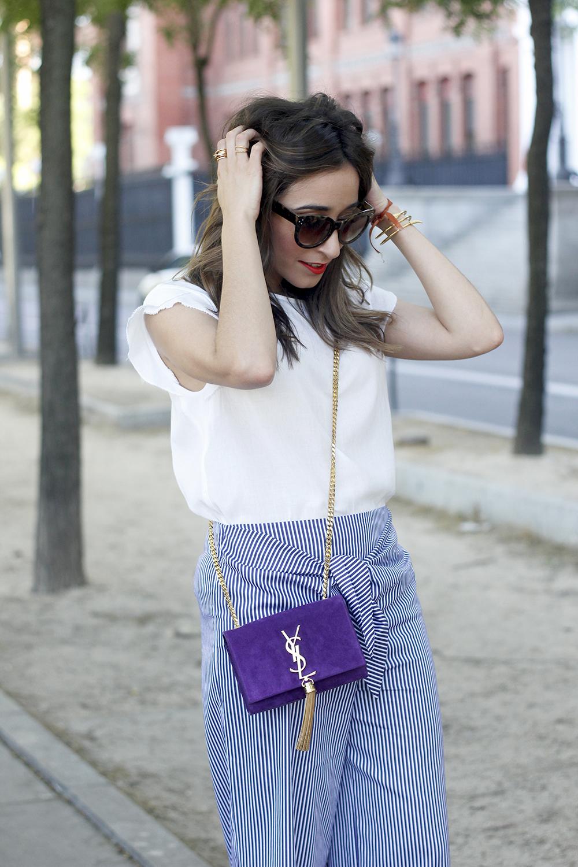 striped pants with bow white shirt carolina herrera sandasl saint laurent bag accessories summer outfit19
