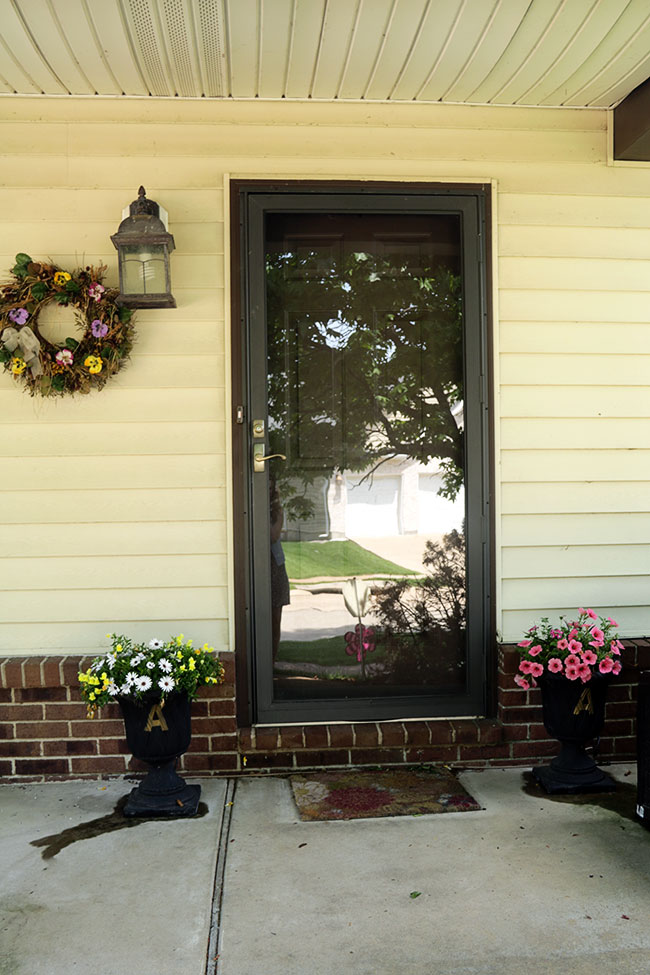 I Have Been Wanting To Paint The Front Door White For Quite Some Time. The Brown  Storm Door Over The Brown Door Is Just TOO Dark.
