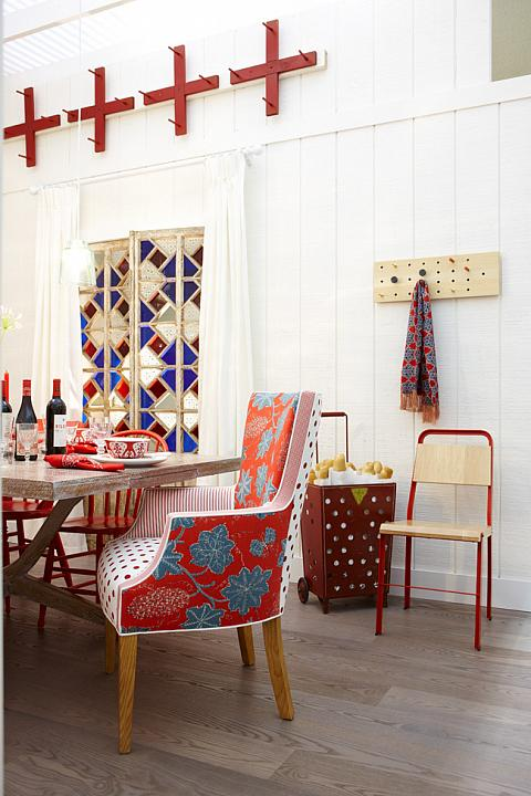 Red and White Neutral Kitchen   Mixing Patterns in your Kitchen