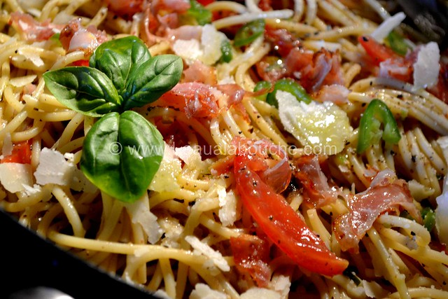 Spaghetti au Pesto d'Olives et Jambon Cru © Ana Luthi Tous droits réservés 10