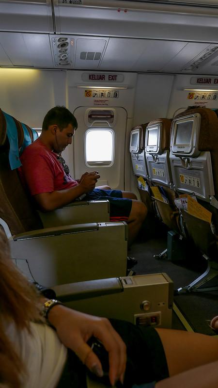 28136886205 f965628520 c - REVIEW - Garuda Indonesia : Economy Class - Semarang to Bali (B738)