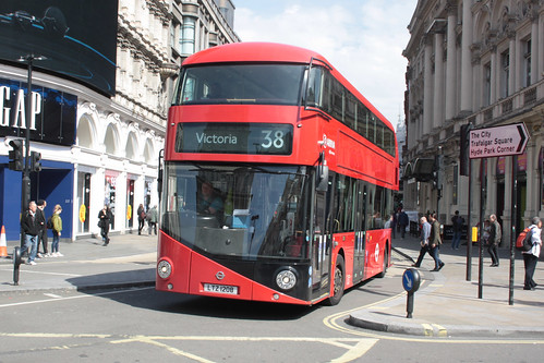 Arriva London North LT208