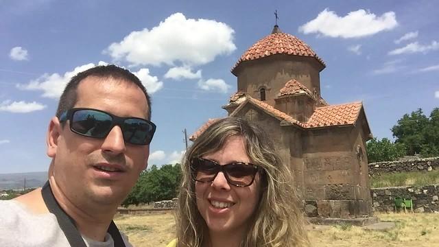 Sele y Rebeca en Armenia