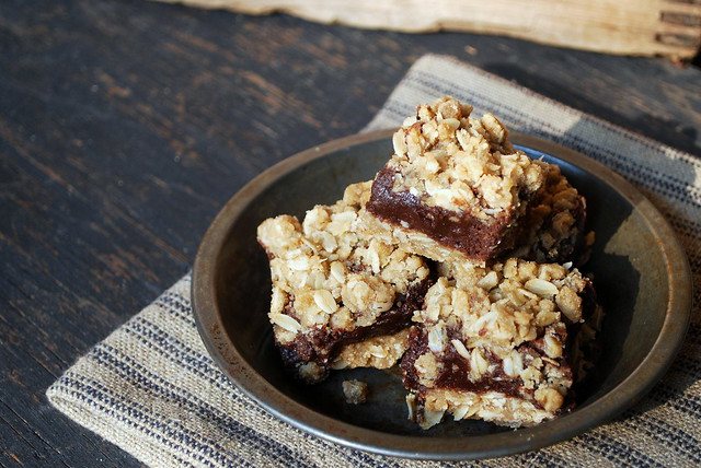 Fudge filled oatmeal bars 1