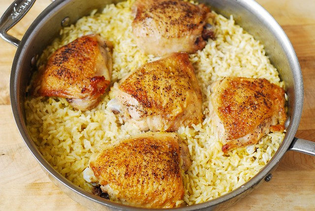 cooked rice with chicken thighs on top, best chicken rice, Italian chicken rice, Mediterranean chicken rice