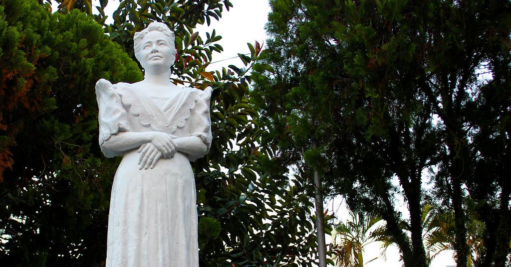 Aurora A. Quezon Statue