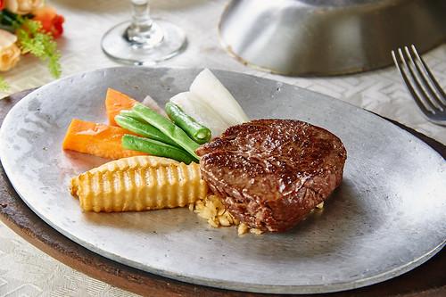 吃一口新國際西餐廳的回憶(12)澳洲菲力牛排jpg