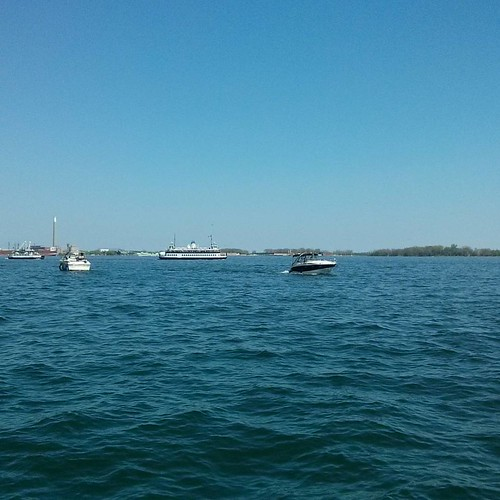 Ferry to the Islands #toronto #lakeontario #harbourfront #torontoislands #ferry