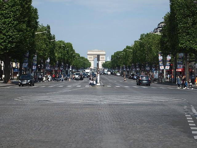 P5281825 シャンゼリゼ大通り L'Avenue des Champs-Élysées パリ フランス paris france