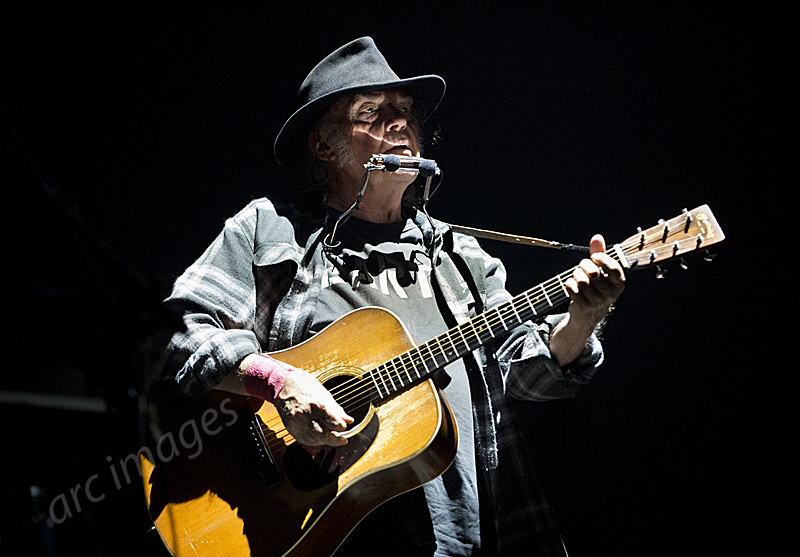 Neil Young at Leeds, 10-06-16