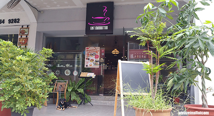 bukit timah dog friendly East Manhattan Bakery Cafe at Lorong Kilat