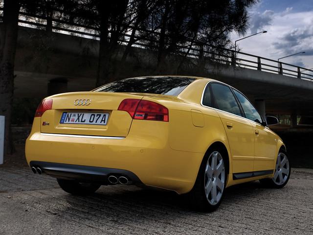 Высокопроизводительный седан Audi S4 B7. 2005 - 2007 годы