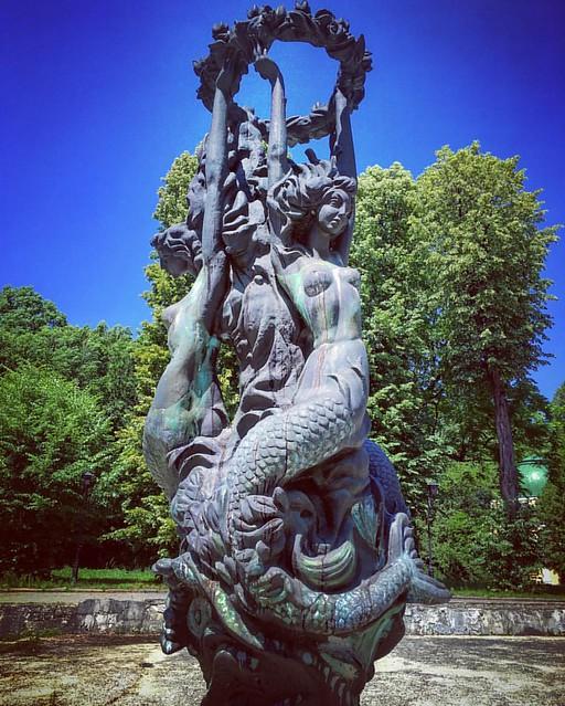 #lviv #ukraine #lviving #lvivblog #lvivgroup #ualviv #statue #park #стрийськийпарк #львів #україна #львов #украина #парк #tourism #travel #lemberg #lvivua #art #sculpture #sky #summer