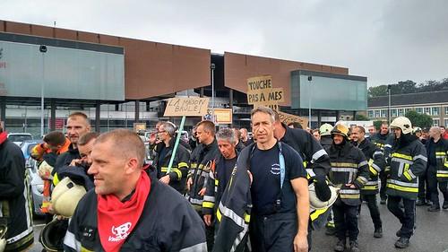 Manifestation des pompiers à Namur
