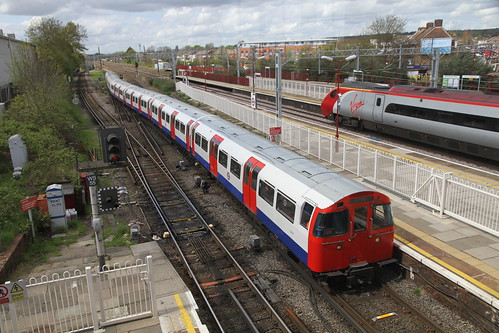 3232 at Harrow and Wealdstone station