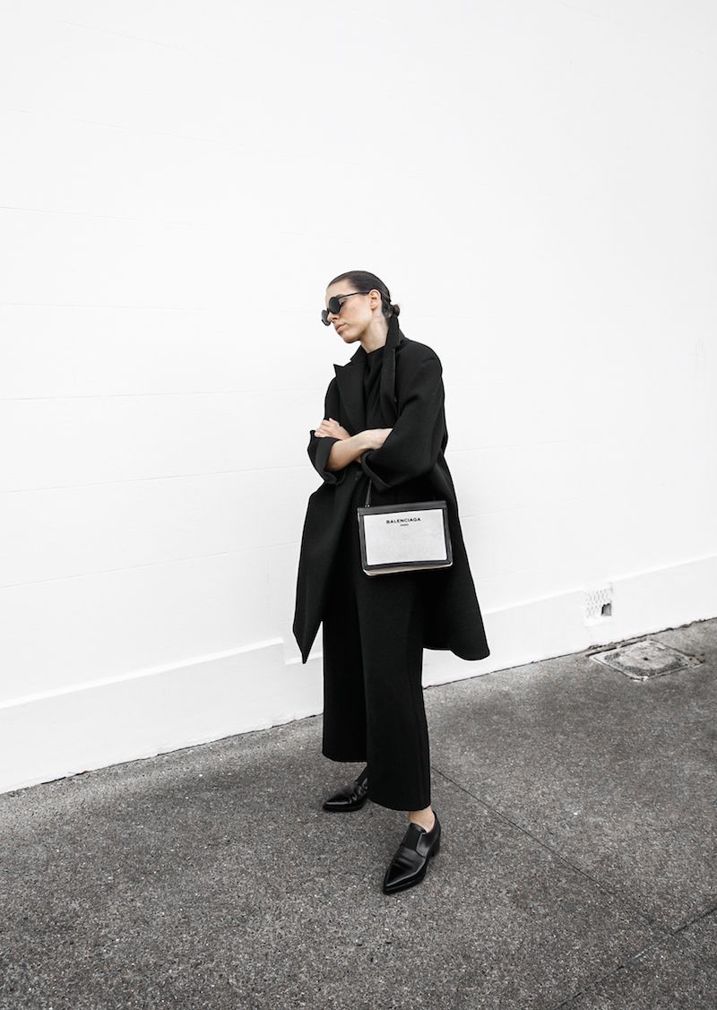 all black ootd outfit street style inspo fashion blogger minimal modern legacy Instagram Balenciaga bag loafer (10 of 11)
