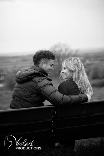 Jasmin and Steve Brill Hill Engagement Photoshoot