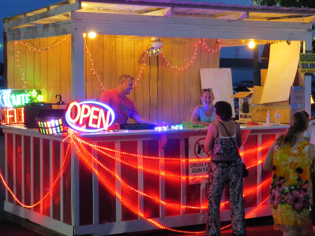 Belvidere Illinois Late Night Flea Market 2016