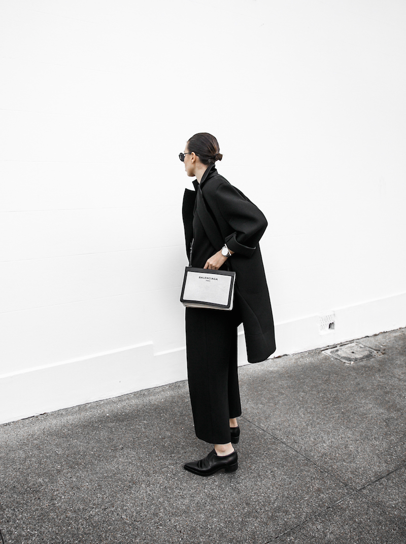 all black ootd outfit street style inspo fashion blogger minimal modern legacy Instagram Balenciaga bag loafer (11 of 11)