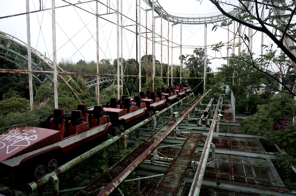 Dreamland - Screw Coaster