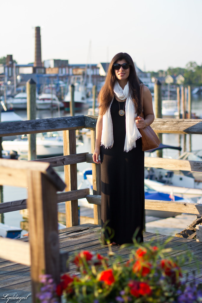 black maxi dress, white scarf, brown leather tote.jpg