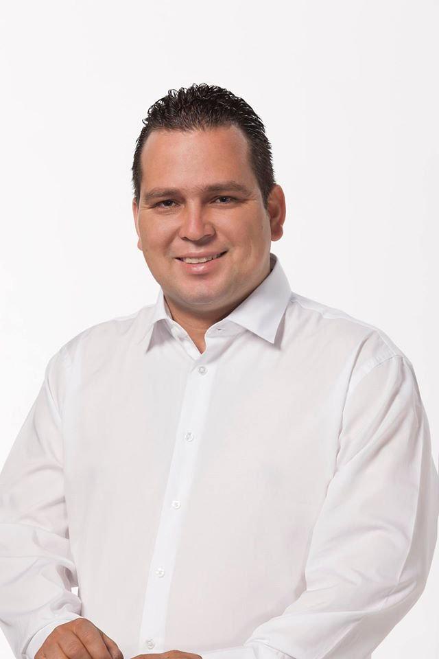 Presenta su renuncia al PRI Rafael Valencia