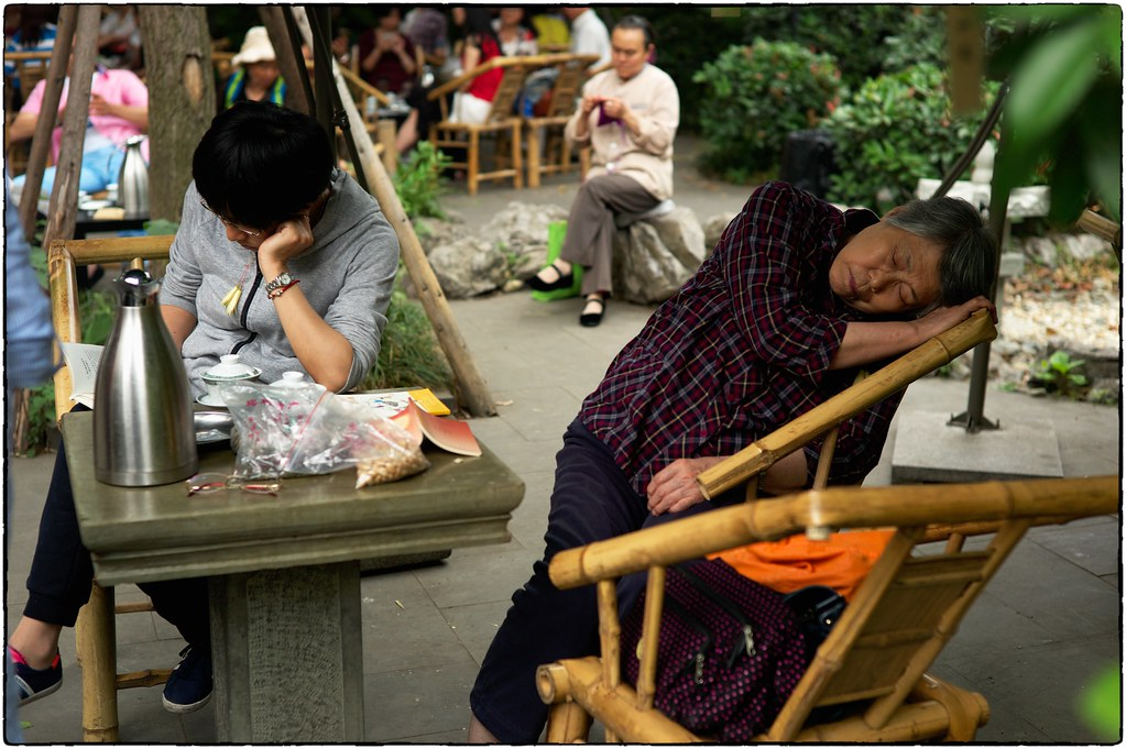 Teahouse Nap, Chengdu Buddhist Temple, May 21, 2016