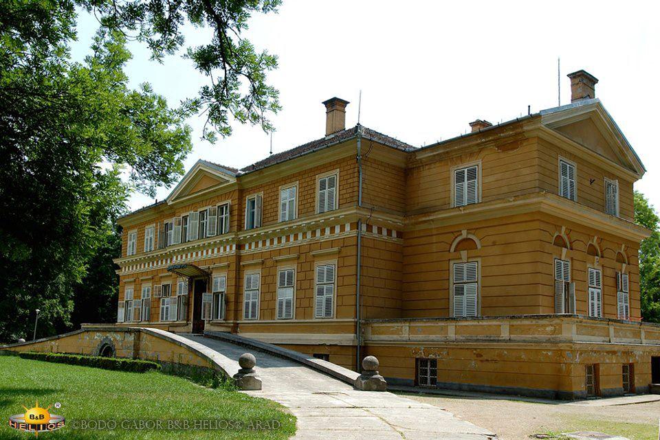 Săvârșin - Castelul Regal