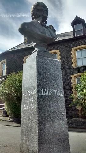 Penmaenmawr Gladstone statue Apr 16 2