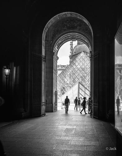 En allant voir JR au Louvre