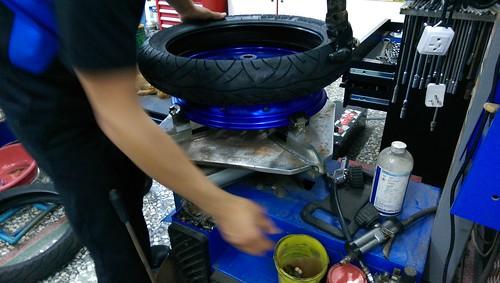 160604_YZF-R3換輪胎