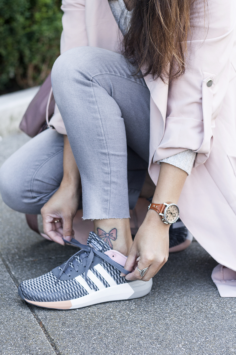 09sporty-chic-blush-pink-trench-adidas-sneakers-style-fashion