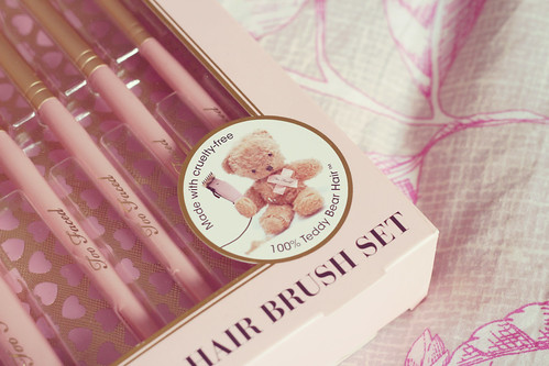 Pinceaux Too Faced 08