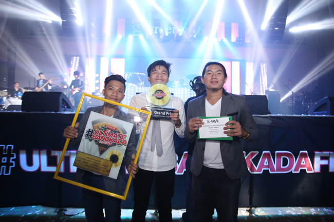 Bboys - First ever Greenwich #UltimateBandkada champion. The band is composed of Jayson Aballe on drums, Ernest Lebrilla on vocals, and Joel Diche on guitar.