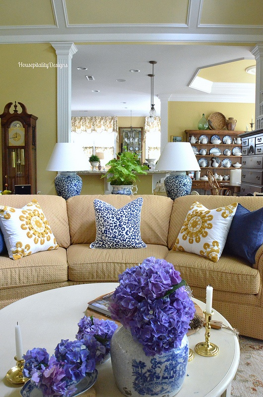 Great Room - Housepitality Designs