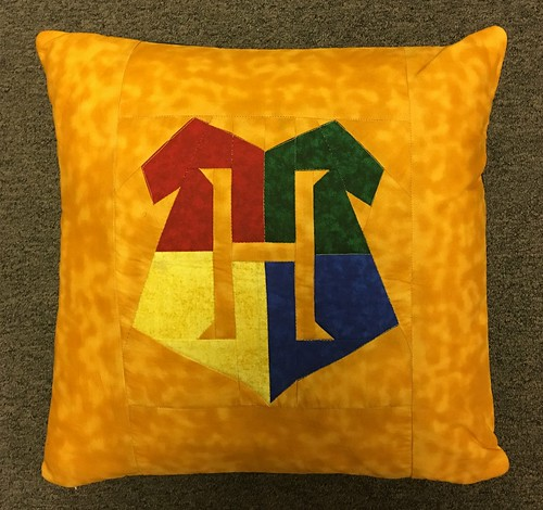 Hogwarts Crest pillow case cover.  Pattern by Jennifer Ofenstein