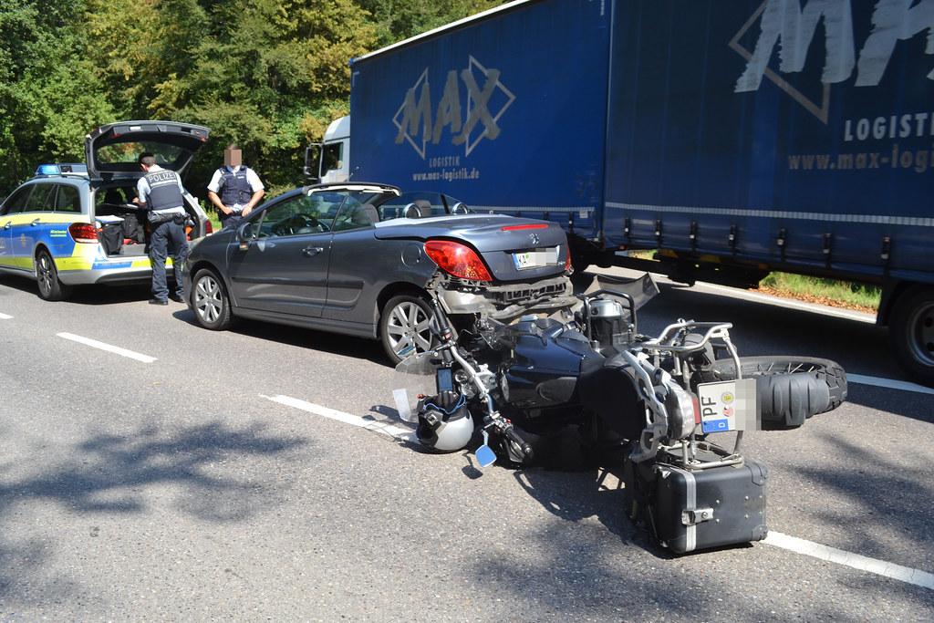 "Regelbaumstraße - Motorradunfall bei ""Waldschenke"" - 09.09.2016"