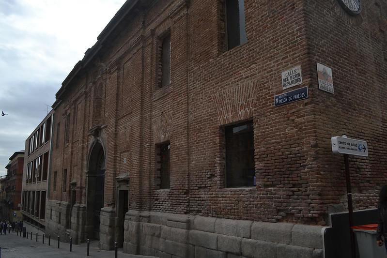 Las viejas escuelas pías, hoy biblioteca de la UNED.