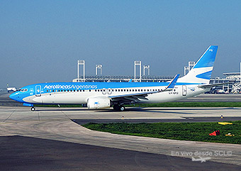 Aerolíneas Argentinas B737-800 SCL (RD)