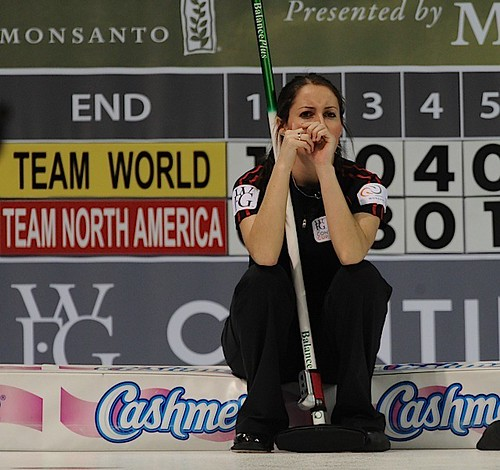 Penticon B.C.Jan10_2013.World Financial Group Curling.Team North America lead Tabitha Peterson.CCA/michael burns photo | by seasonofchampions