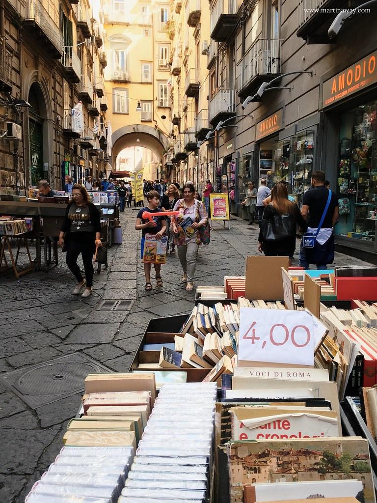 Napoli, libri usati a Port'Alba