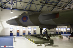 XL318 - - Royal Air Force - Avro 698 Vulcan B2 - RAF Museum Hendon - 080203 - Steven Gray - IMG_7158