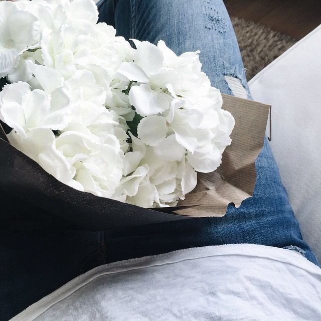 favorites, suosikit, inspiration, inspo, hydrangeas, hortensiat, hortensia kimppu, hydrangea bouquet, white, valkoinen, kukka, flower, maison helsinki, fresh and beautiful, my favorites atm, my favorites at the moment, white color,