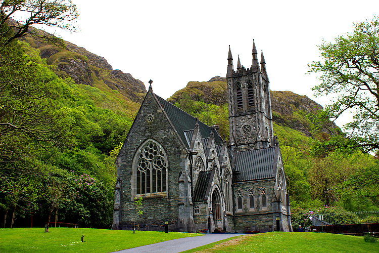 kylemoreabbey-church